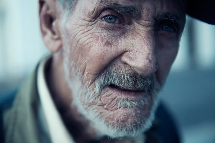 Picture of an old man with catch light
